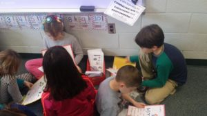 students reading in Spanish